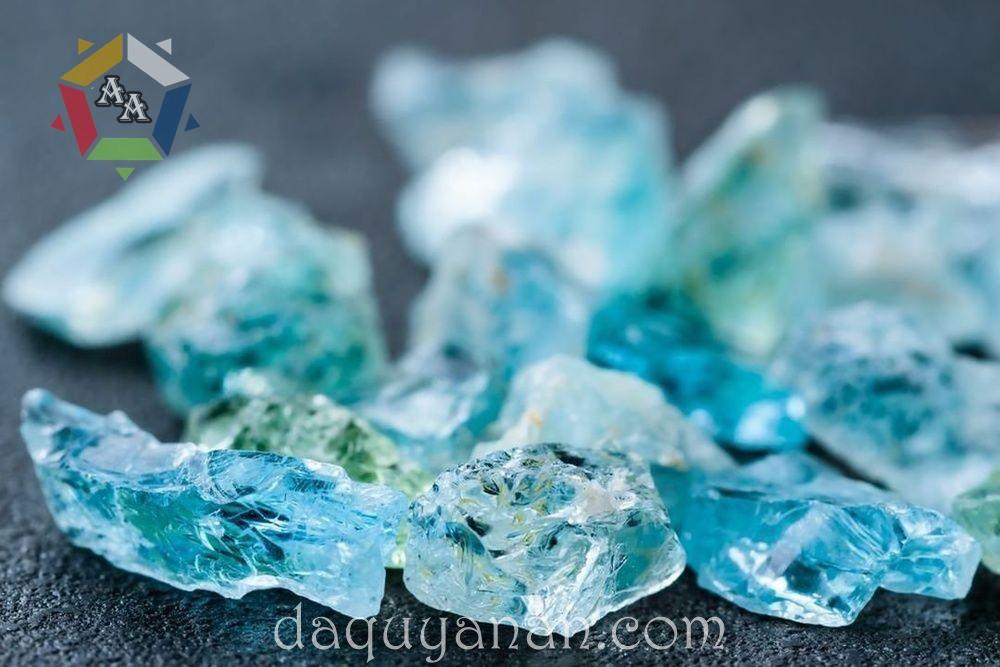 Đá quý Aquamarine tự nhiên