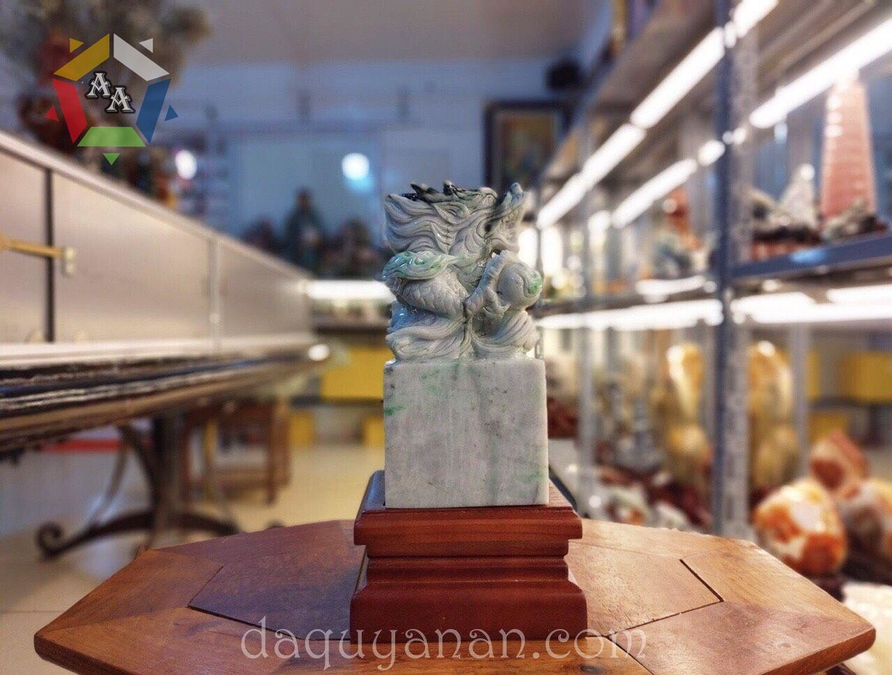 Ấn rồng ngọc Jadeite tự nhiên (Phỉ Thuý)