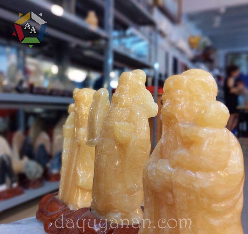 Bộ tượng Tam Đa Phúc Lộc Thọ chế tác từ đá canxit vàng tự nhiên
