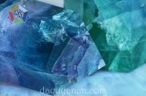 Đá Flourite: Tác dụng, ý nghĩa, hợp mệnh gì? Cách sử dụng đá Flourite