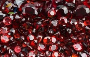 Đá Garnet - Ngọc hồng lựu, món quà của tình yêu và sự vĩnh hằng
