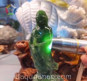 Phật Bà Quan Âm Ngọc bích tự nhiên