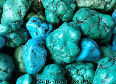 Màu sắc của Turquoise trải từ xanh lá tới xanh da trời