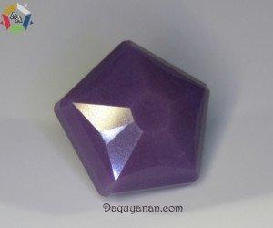 Viên đá Sugilite được mài giác
