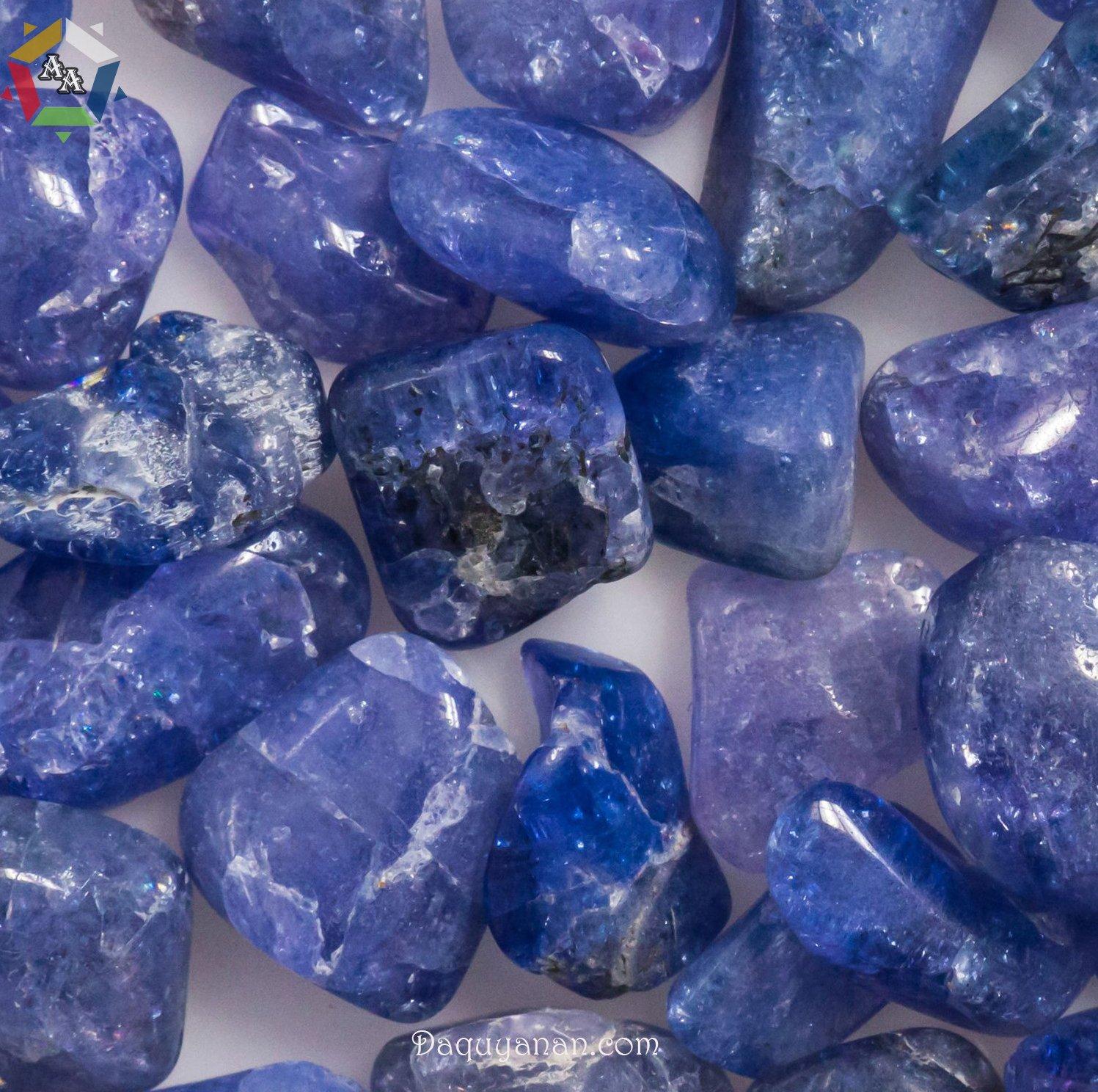 Những viên đá Tanzanite thô