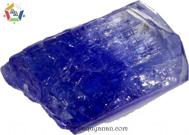 Đá Tanzanite có màu xanh tím giống Sapphire
