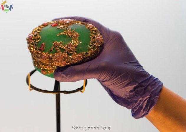 Thiết kế ngọc đế quang được trưng bày tại Bảo tàng Victoria và Albert (London)